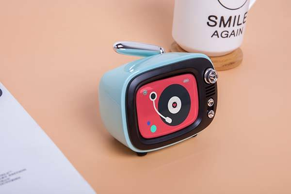 lofree_qtv_retro_tv_inspired_portable_bluetooth_speaker